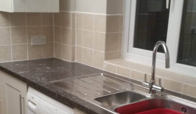 Cleaning Different Types of Kitchen Sink